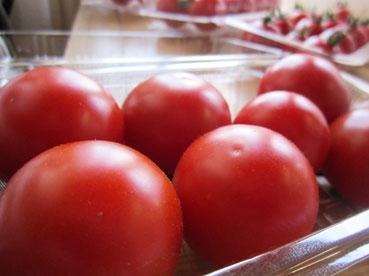 トマトでっかい110711.jpg